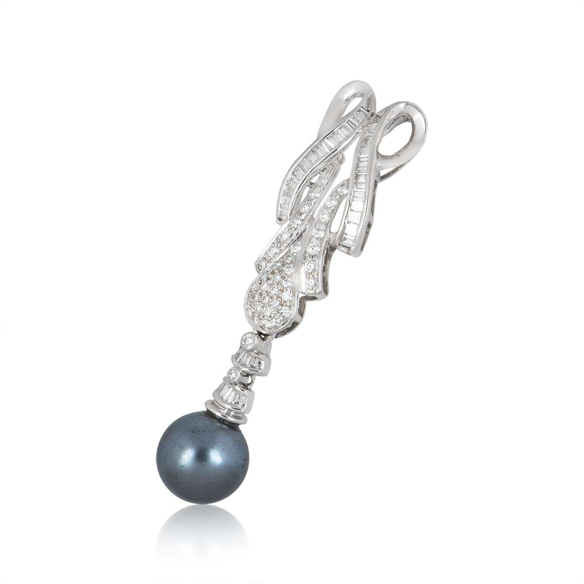 White Gold Diamond and Pearl Jewellery Suite